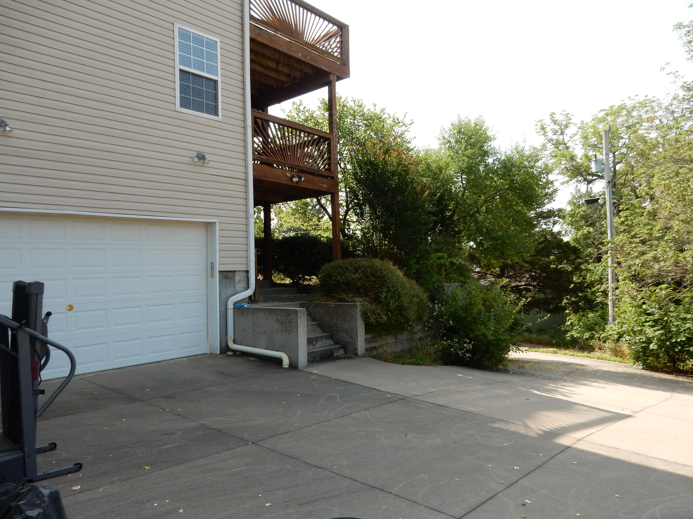26 Hilltop Drive Kimberling City, MO 65686