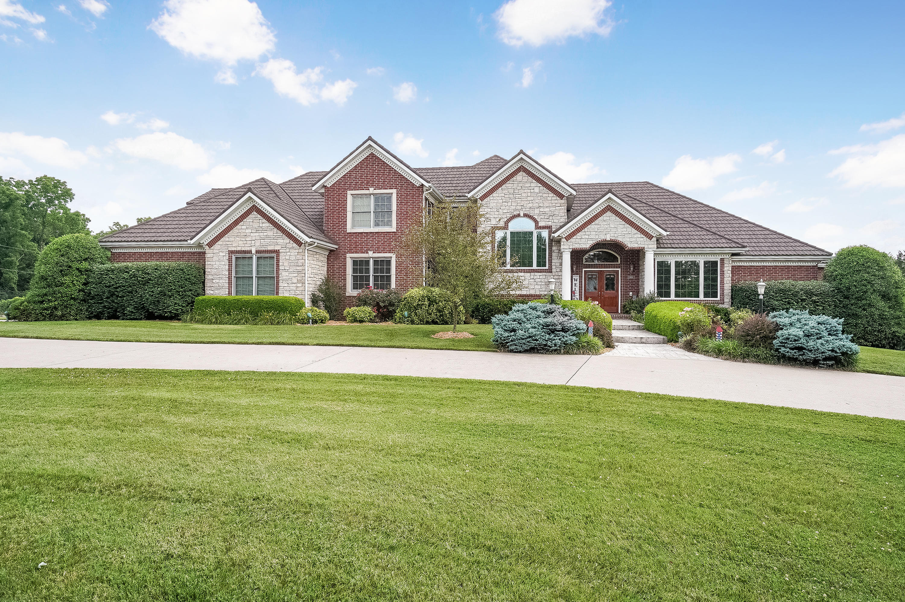 1484 South Farm Road Springfield, MO 65809