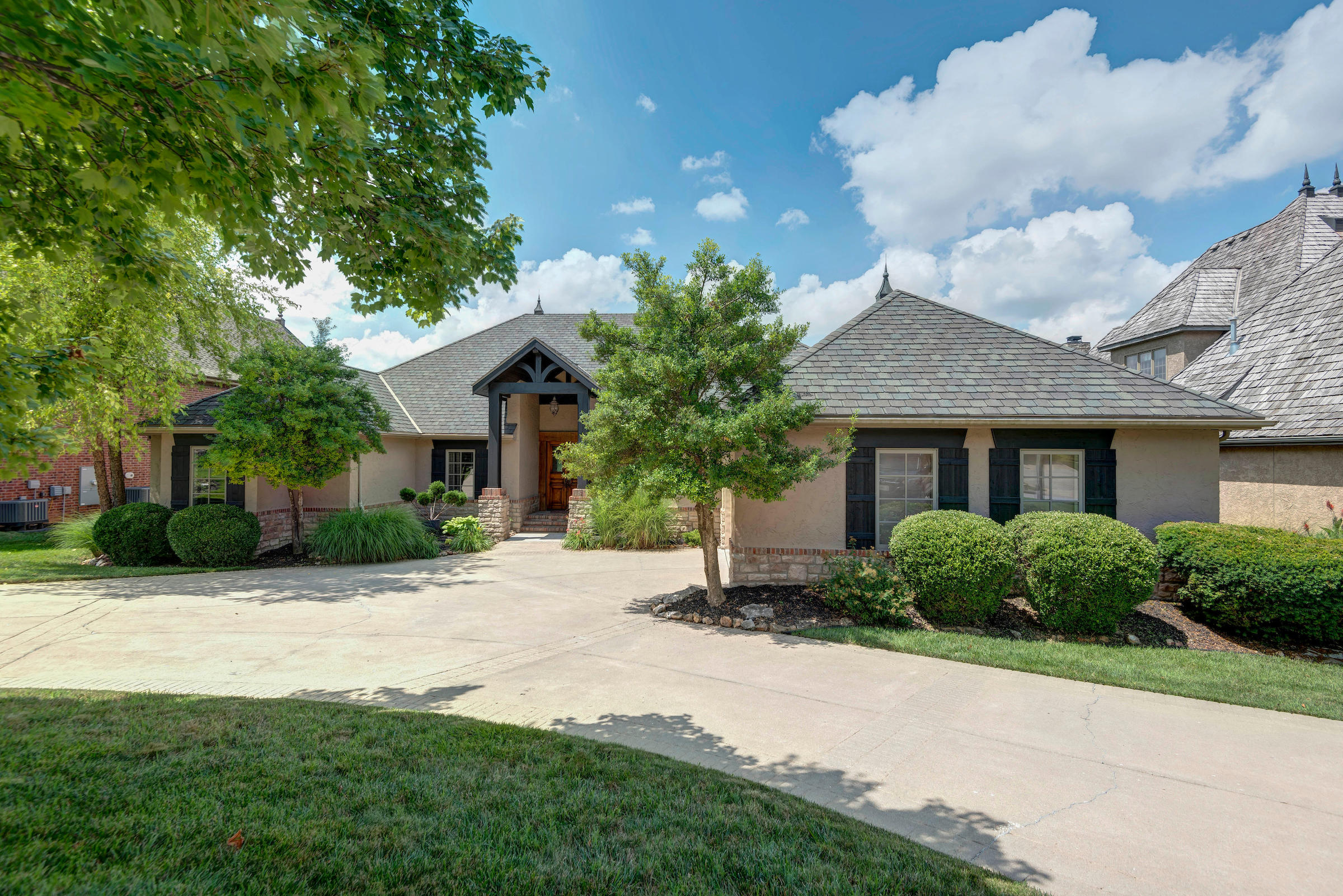 6125 South Natural Falls Drive Ozark, MO 65721