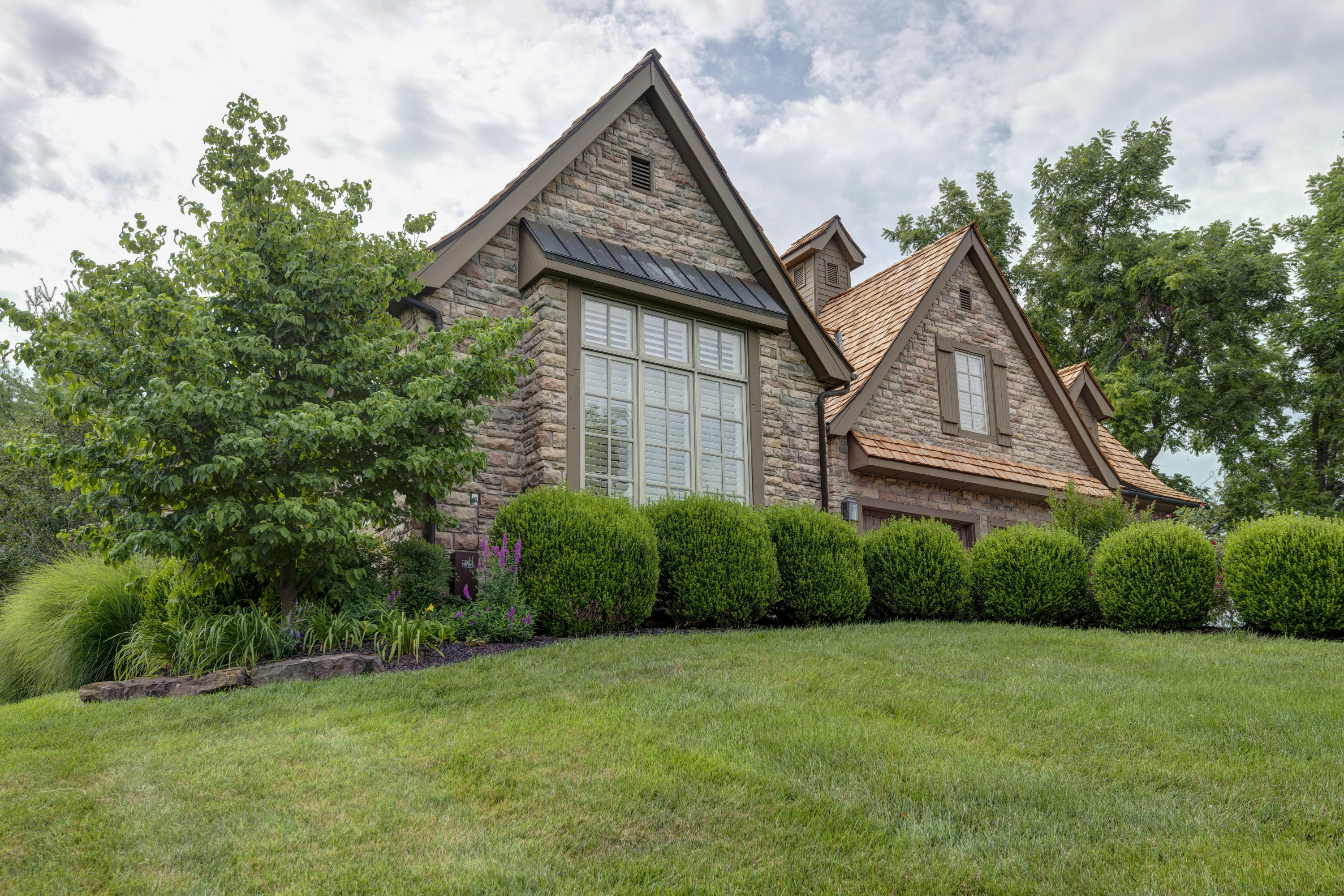 5780 South Coldstream Drive Springfield, MO 65809
