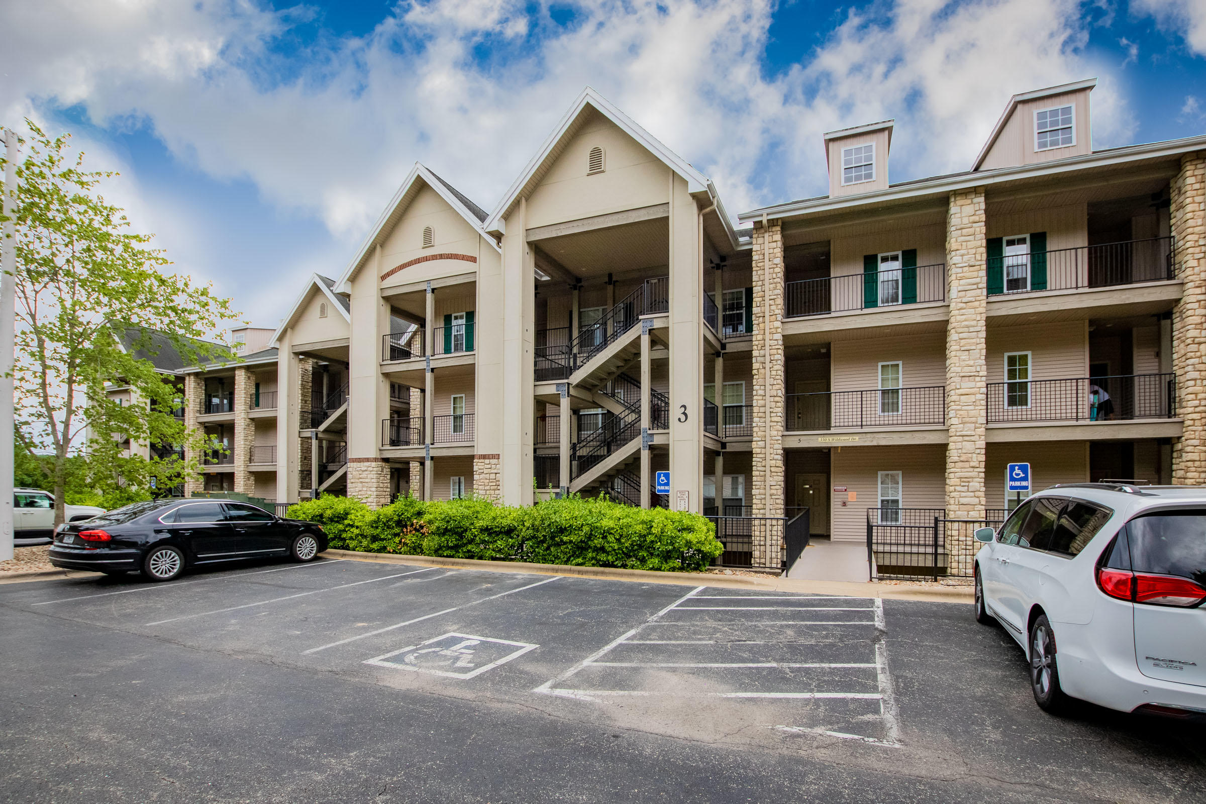 330 South Wildwood South Drive UNIT 7&8 Branson, MO 65616