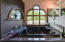 Jacuzzi tub /carved glass feature