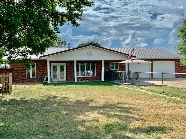 200 Smith Lane Raymondville, MO 65555