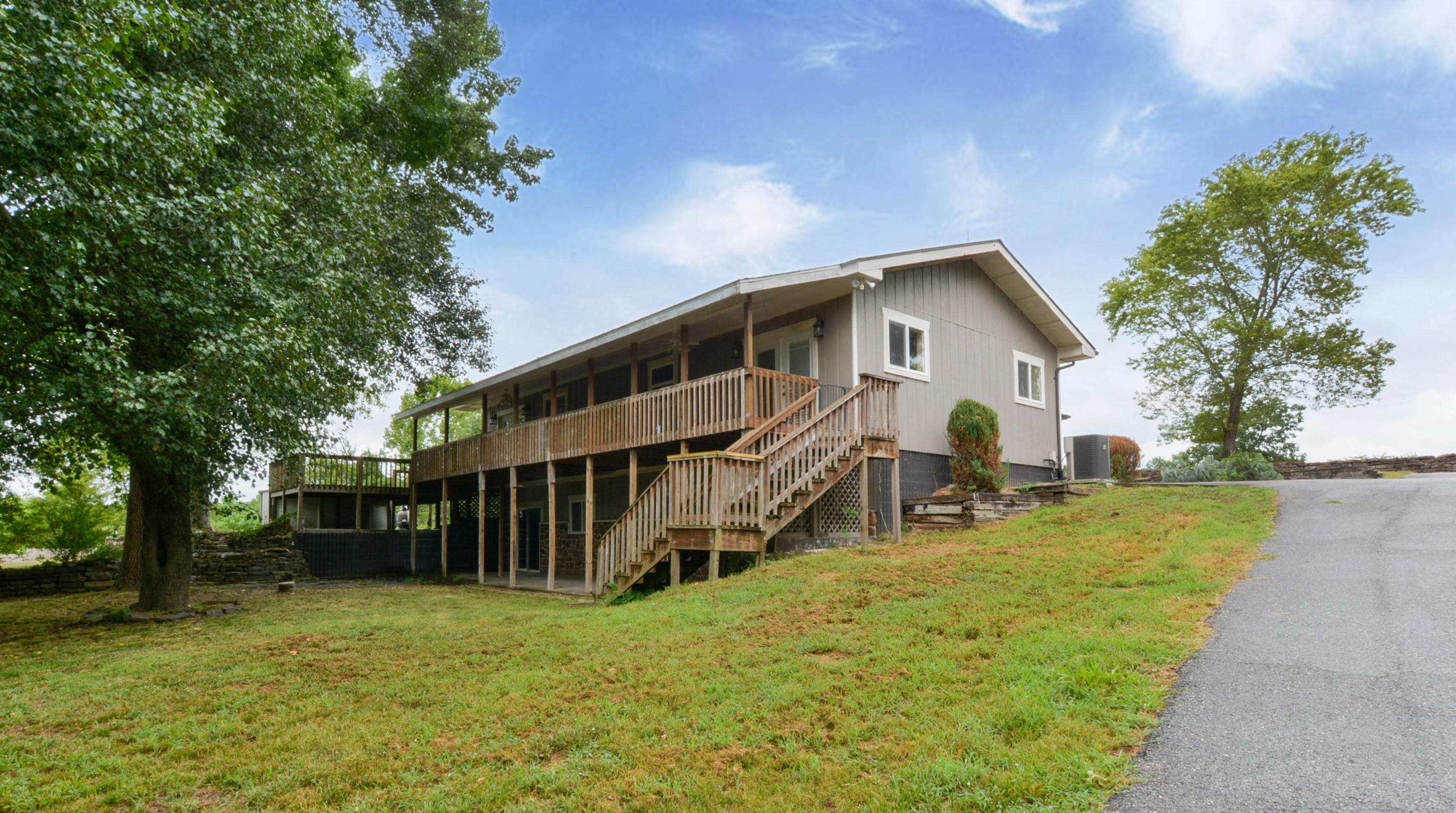 18877 Eagle Point Road Eagle Rock, MO 65641