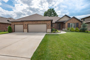 633 North Santa Monica Drive, Nixa, MO 65714