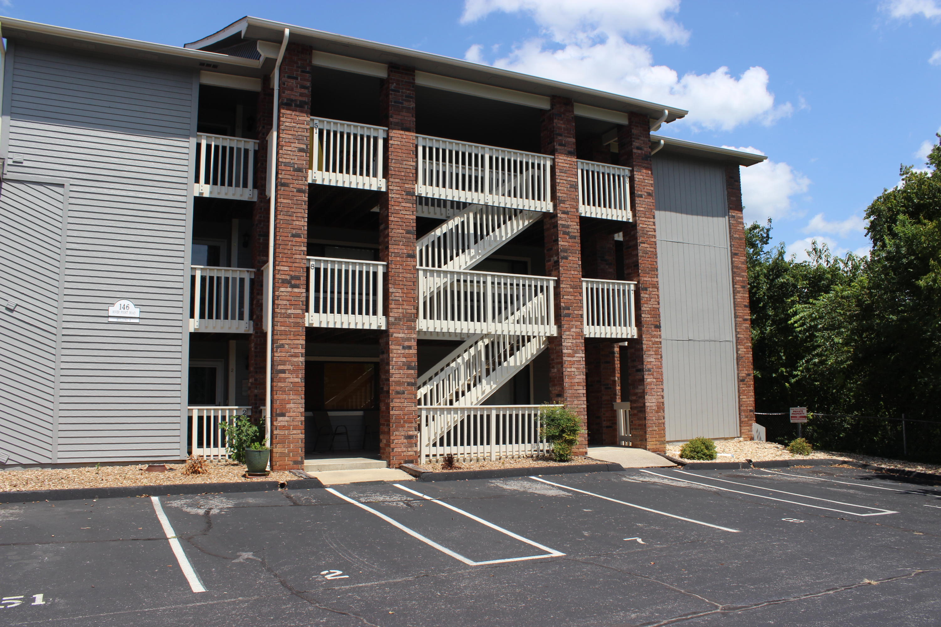 146 River Point Road UNIT 50 Hollister, MO 65672