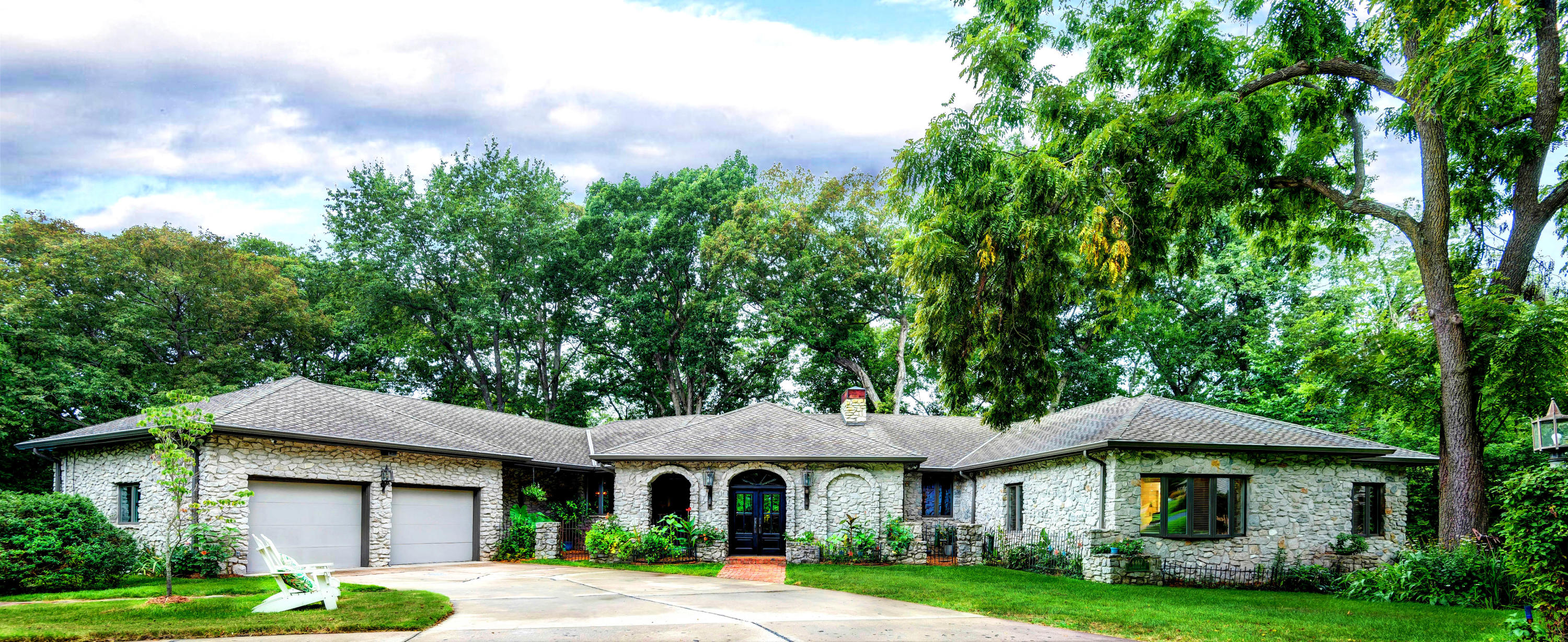 4467 East Bannister Road Springfield, MO 65809