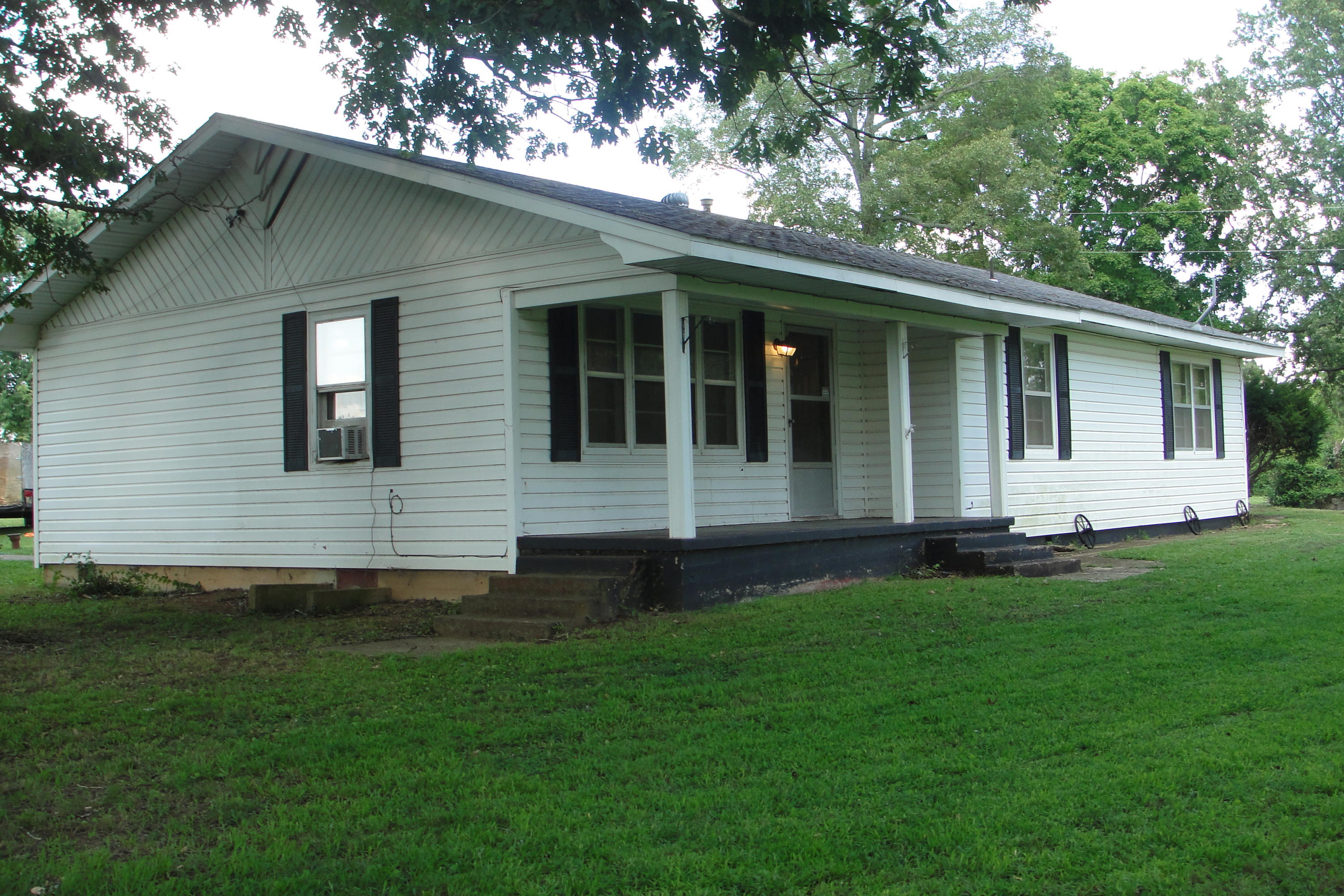 387 West B Highway Raymondville, MO 65555