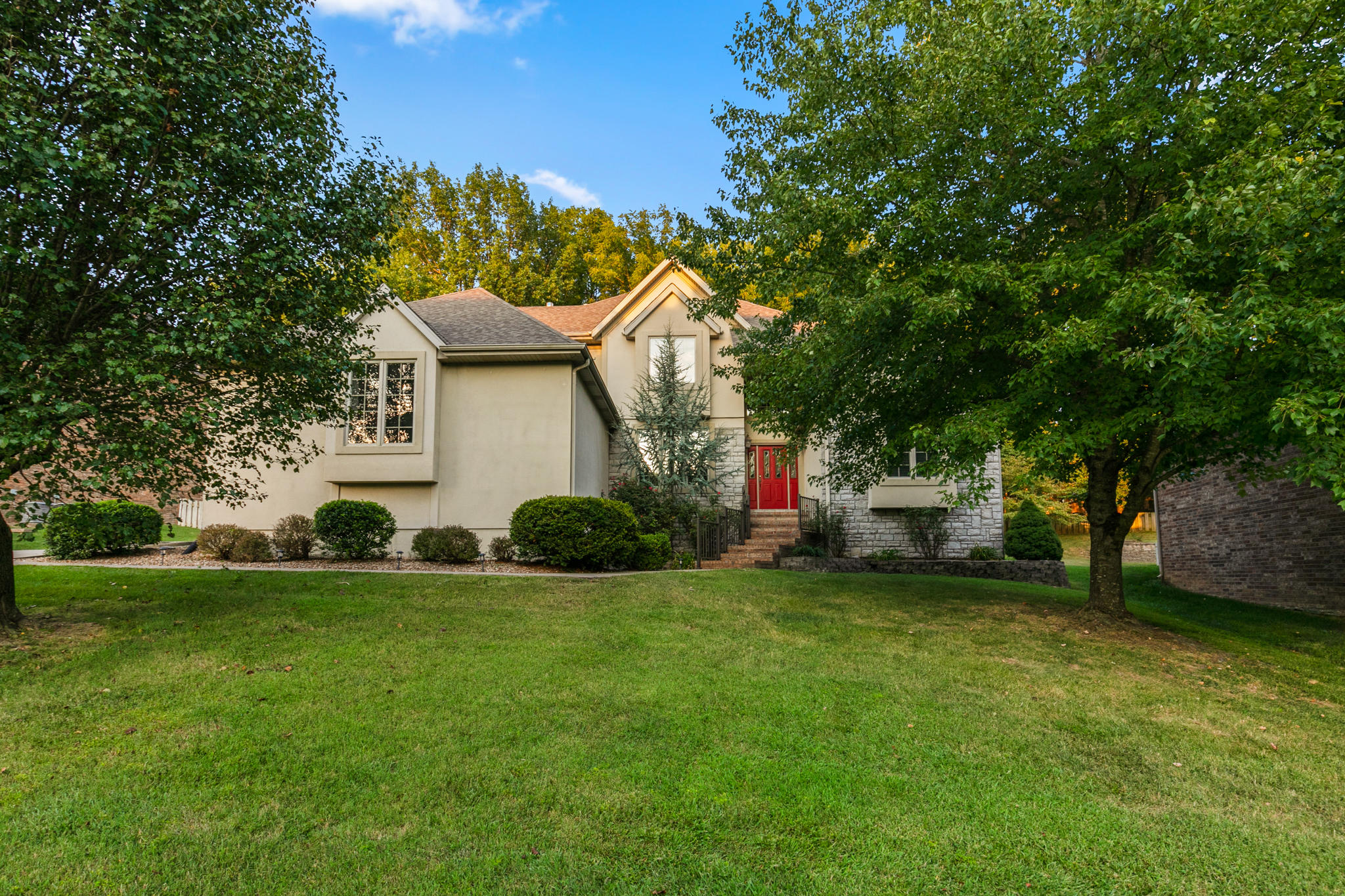 1385 West Stone Meadow Way Springfield, MO 65810
