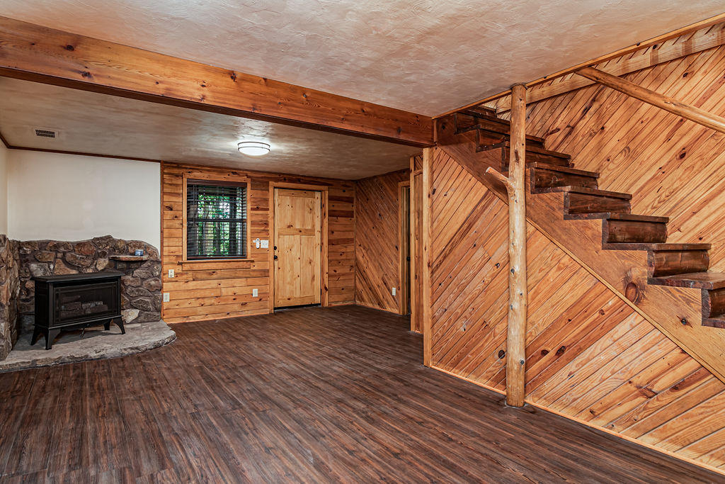 7976 State Highway Lampe, MO 65681