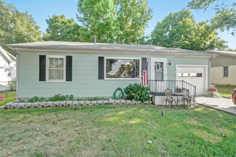 403 East Prairie Lane Ash Grove, MO 65604