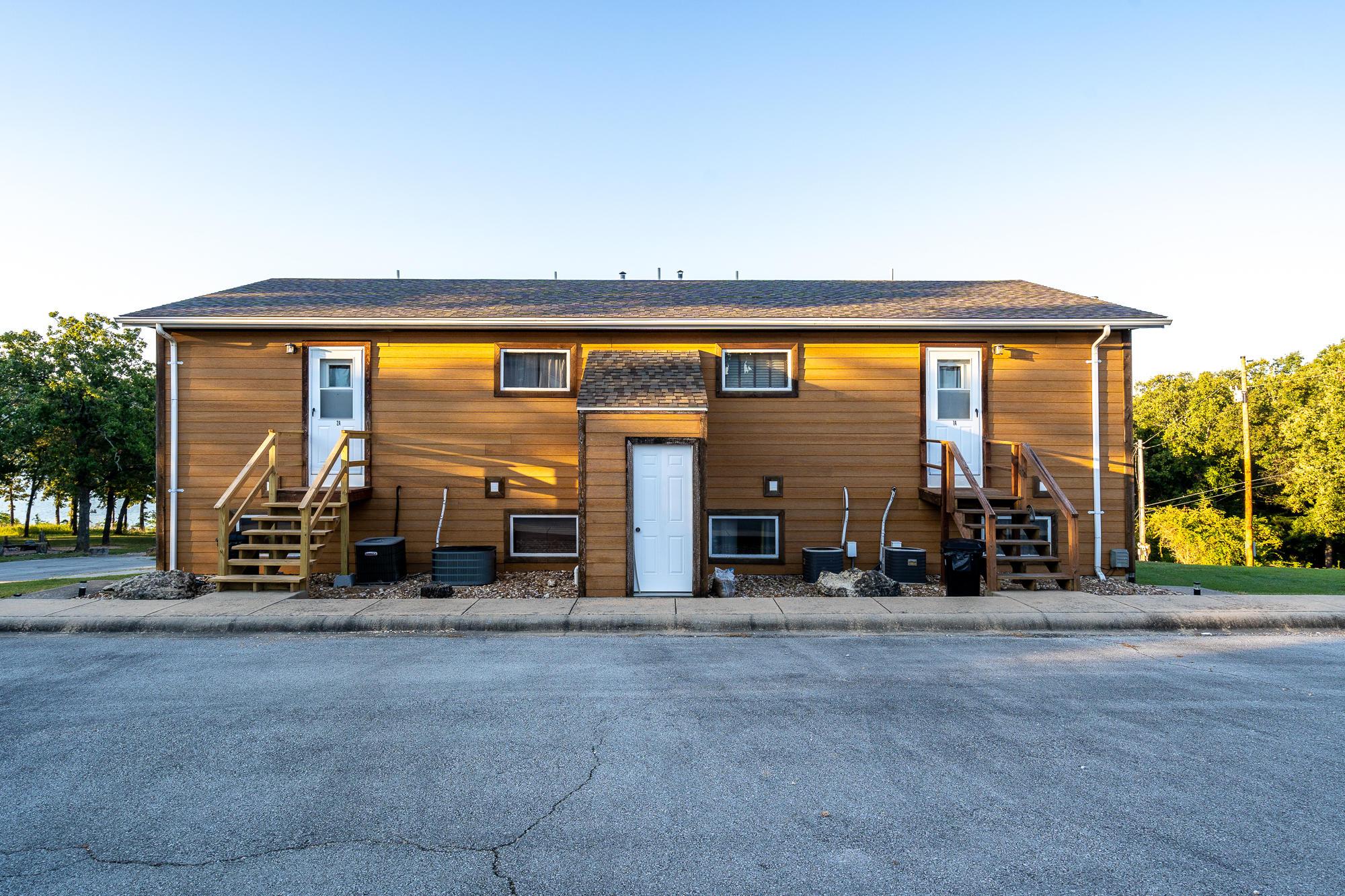 92 Ashlee Marie Lane Kimberling City, MO 65686