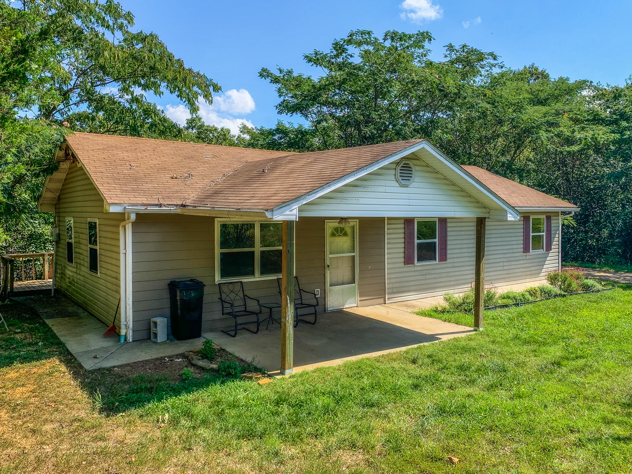 1025 County Road 806 Gainesville, MO 65655