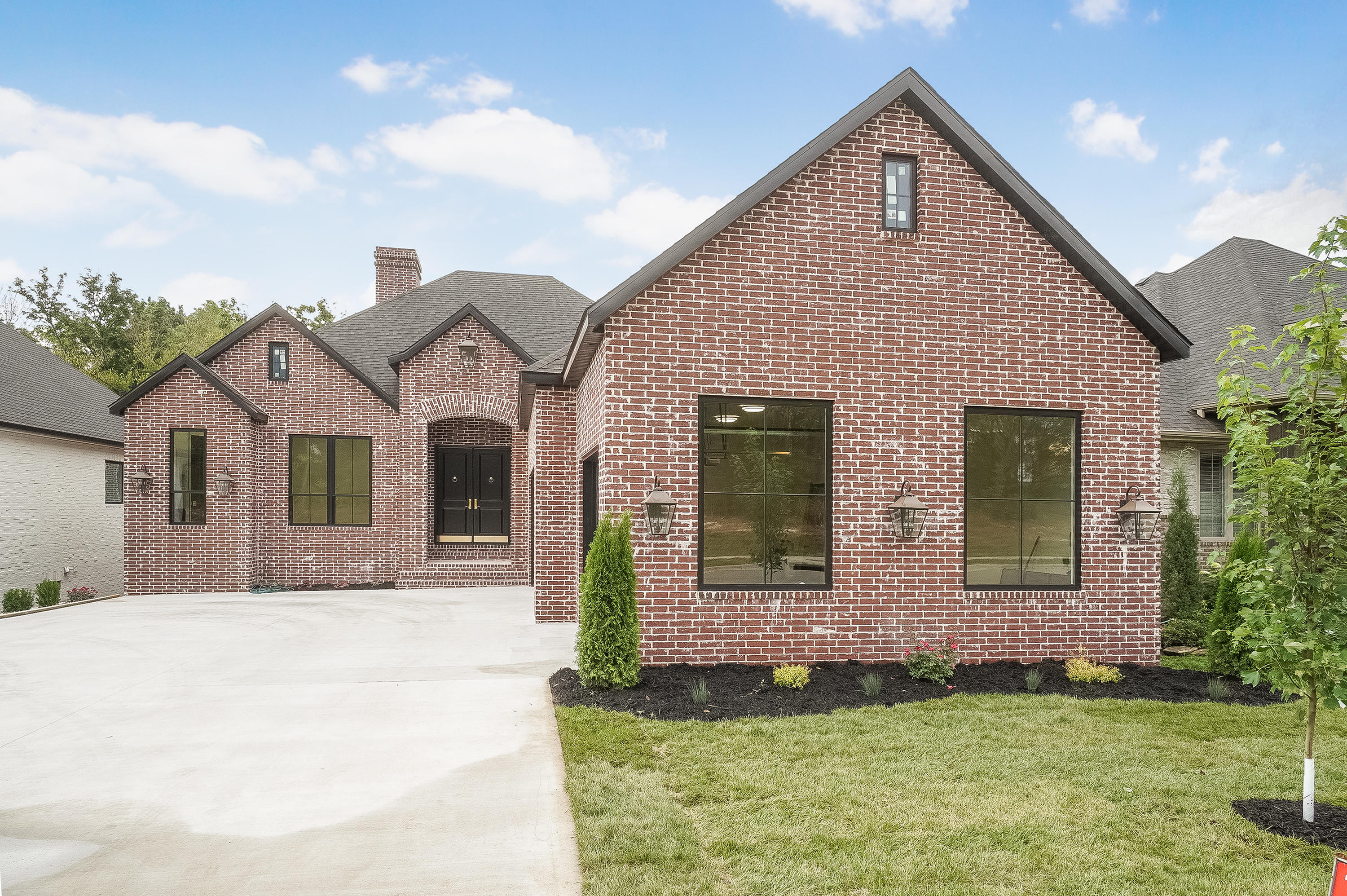 3802 East Cypress Point Street Springfield, MO 65802