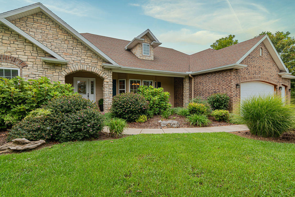 1394 Morningside Falls Boulevard Blue Eye, MO 65611