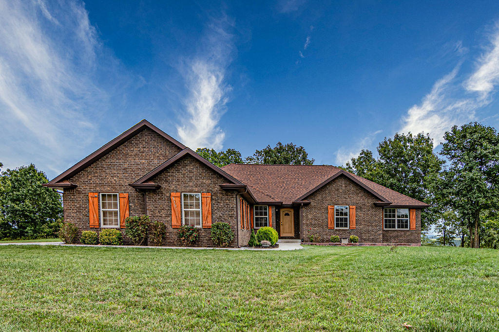 1854 Morningside Falls Boulevard Blue Eye, MO 65611