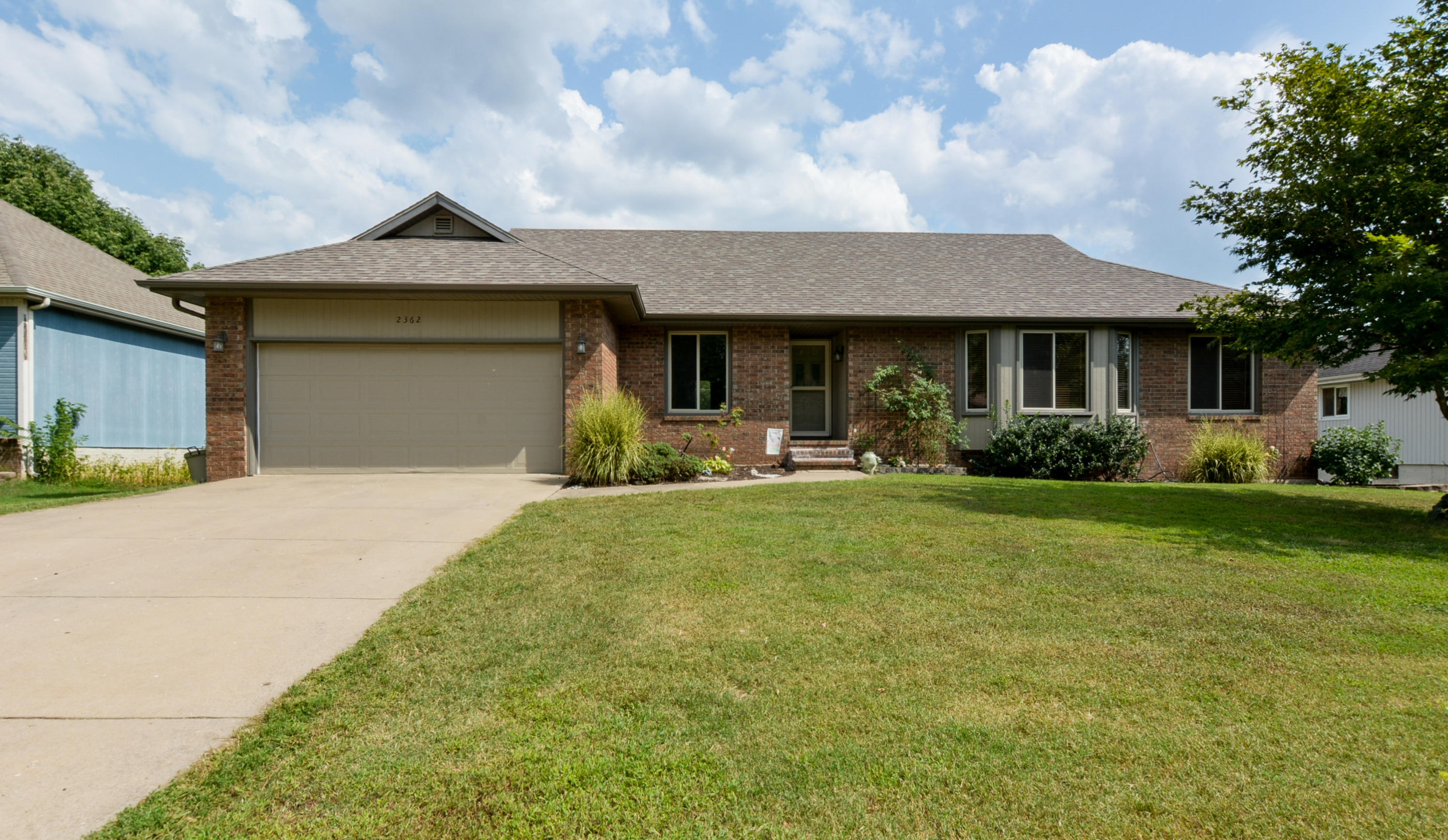2362 South Nolting Avenue Springfield, MO 65807