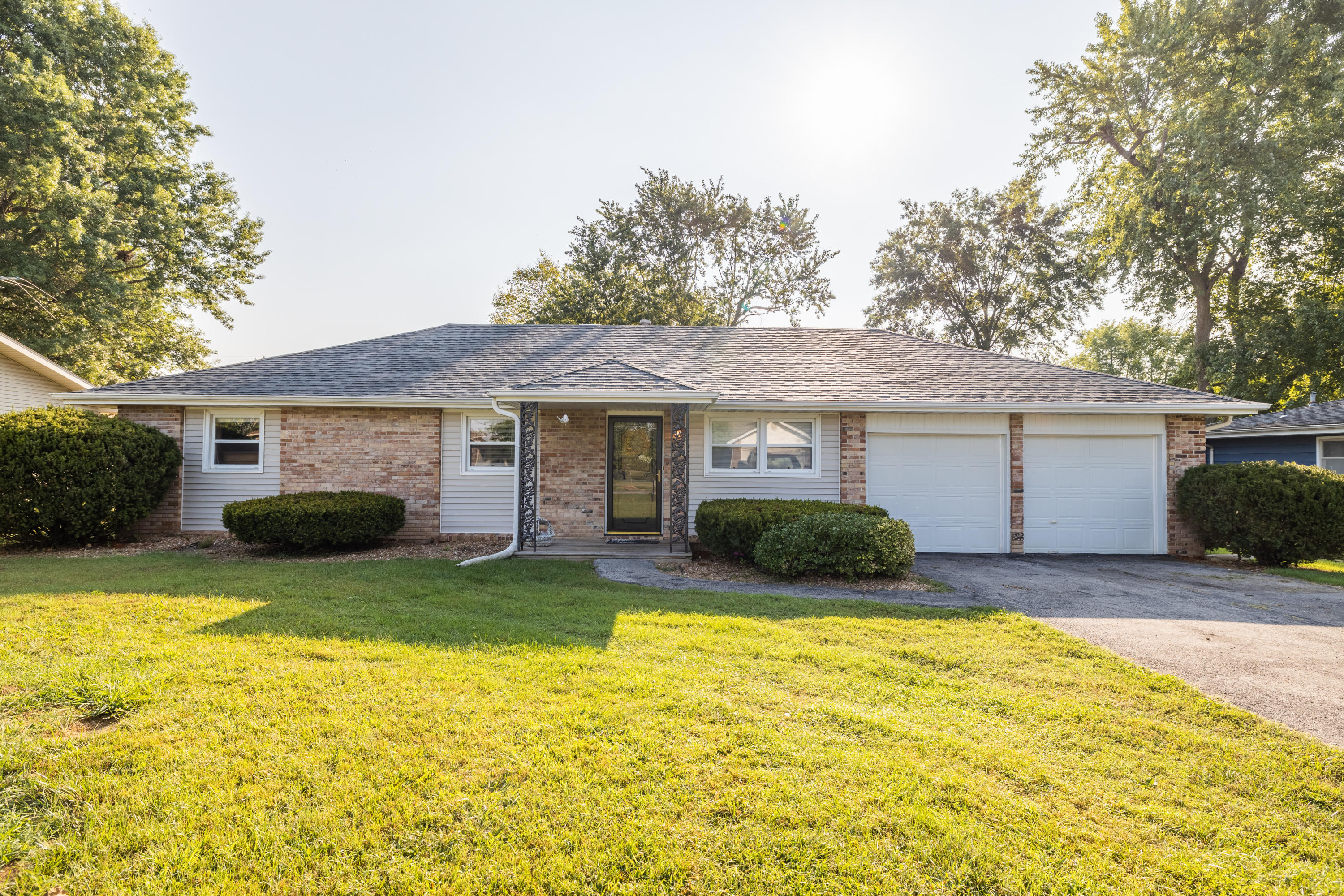 5836 South State Hwy Ff Battlefield, MO 65619