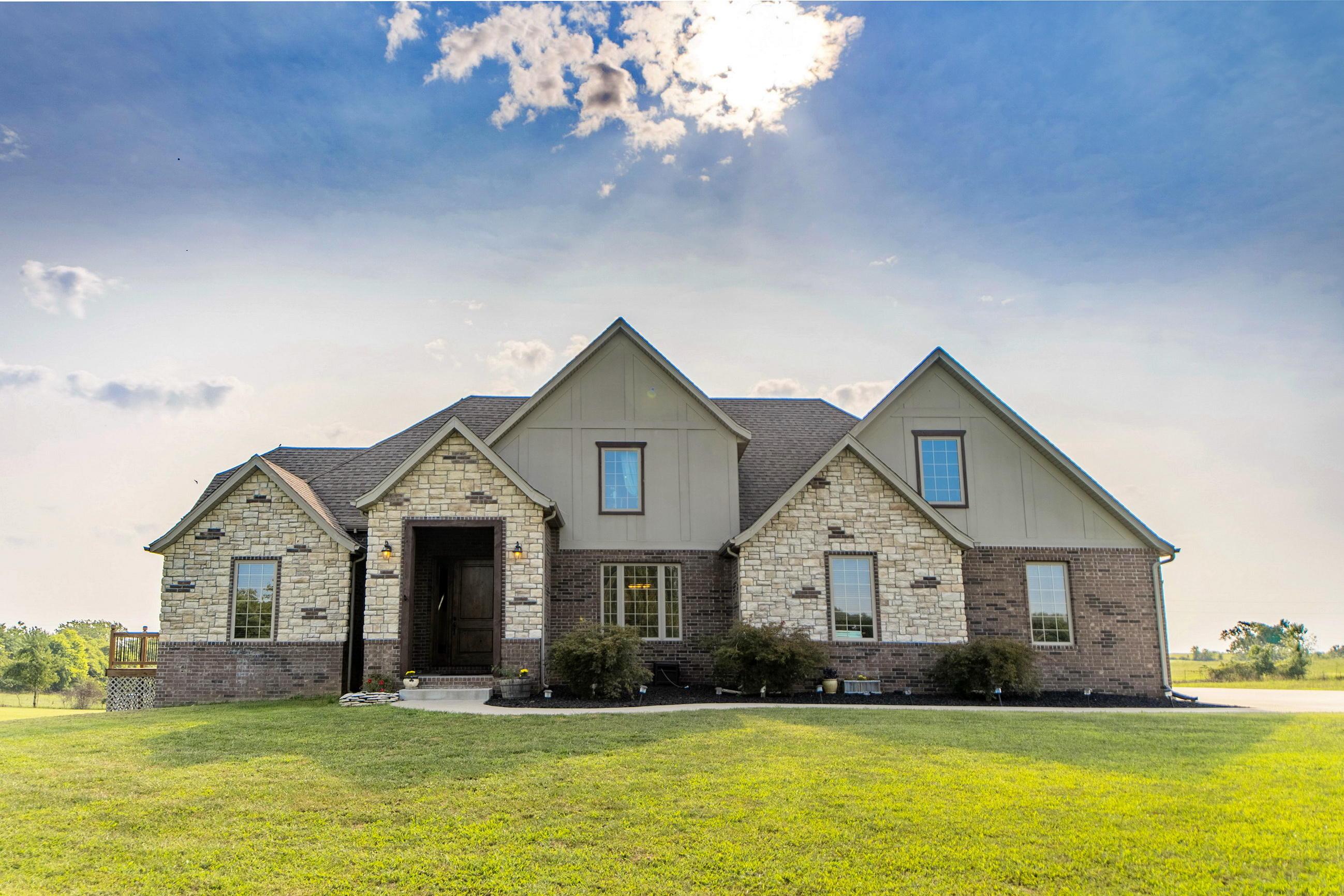 934 Oak Ridge Road Sparta, MO 65753