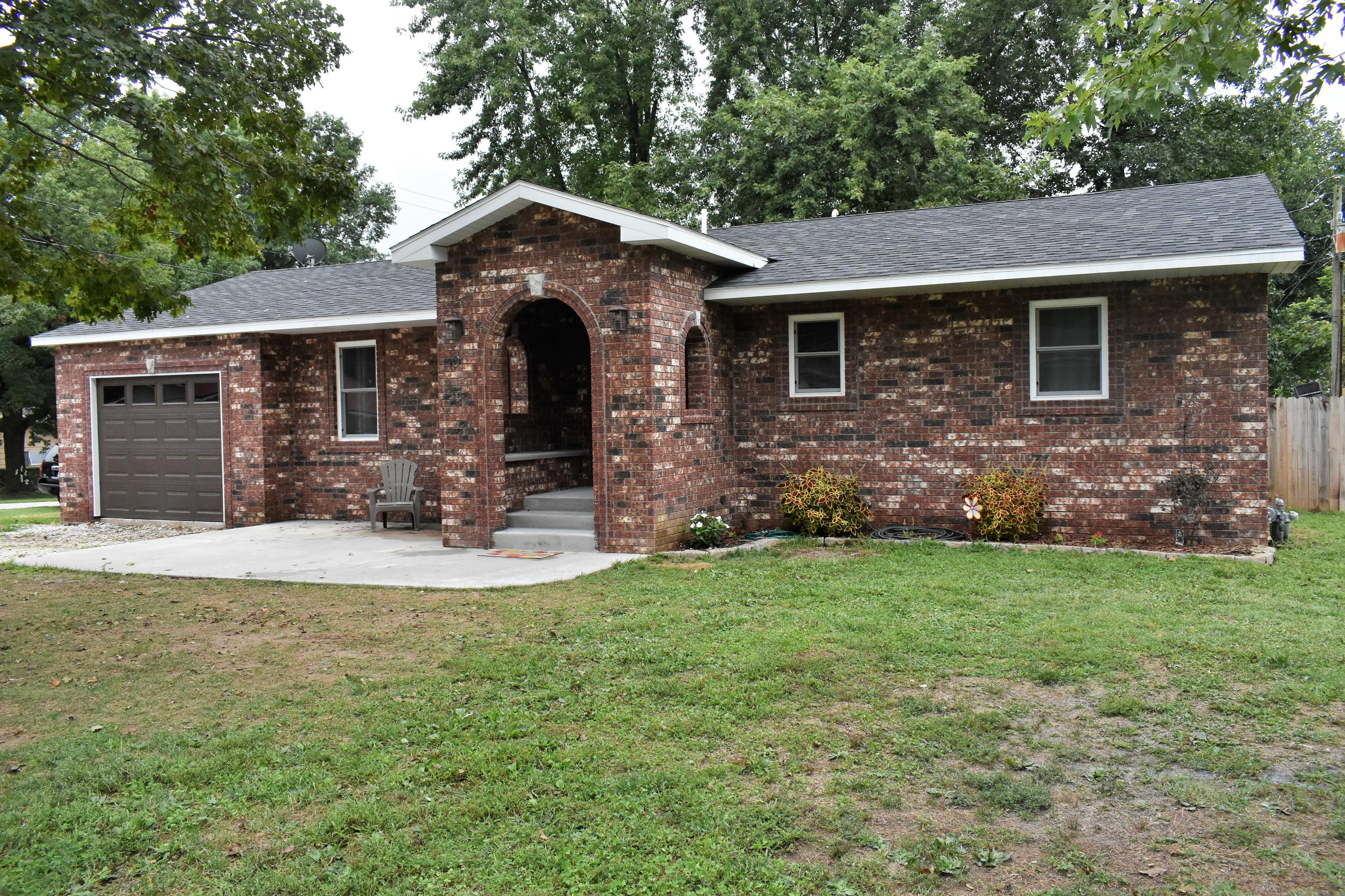 101 North Westview Drive Marionville, MO 65705