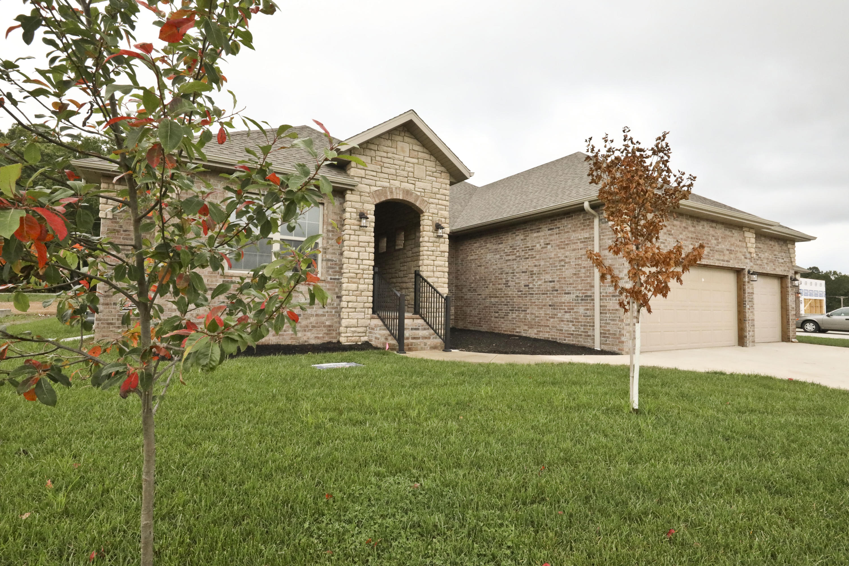 1705 West Gaslight Drive Springfield, MO 65810