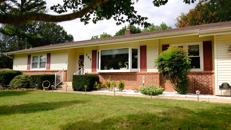 707 South Broadview Drive Springfield, MO 65809