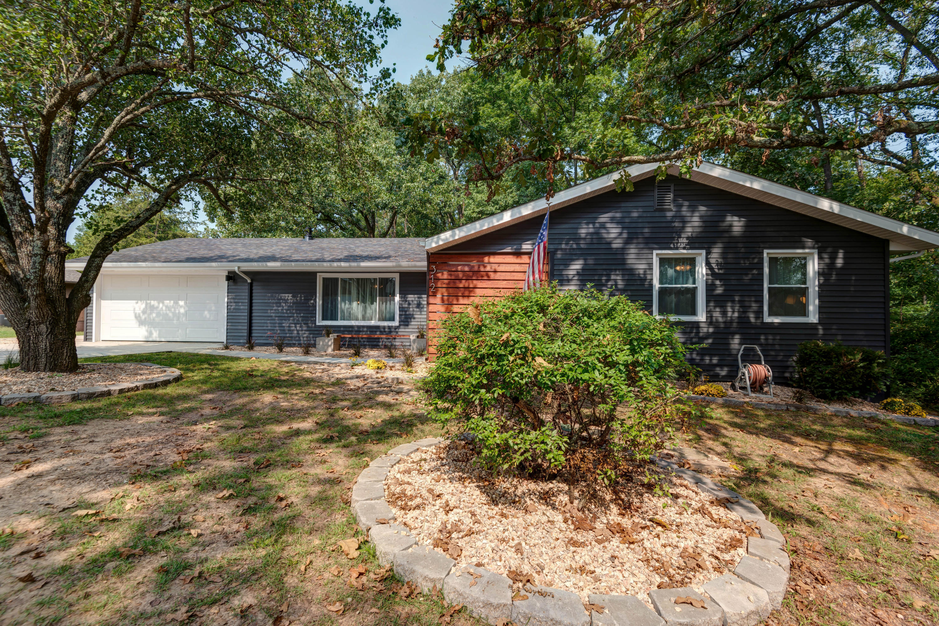 312 Wisconsin Road Hollister, MO 65672