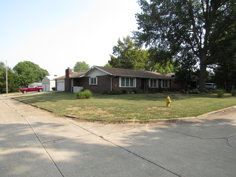 4052 South Fairway Avenue Springfield, MO 65804