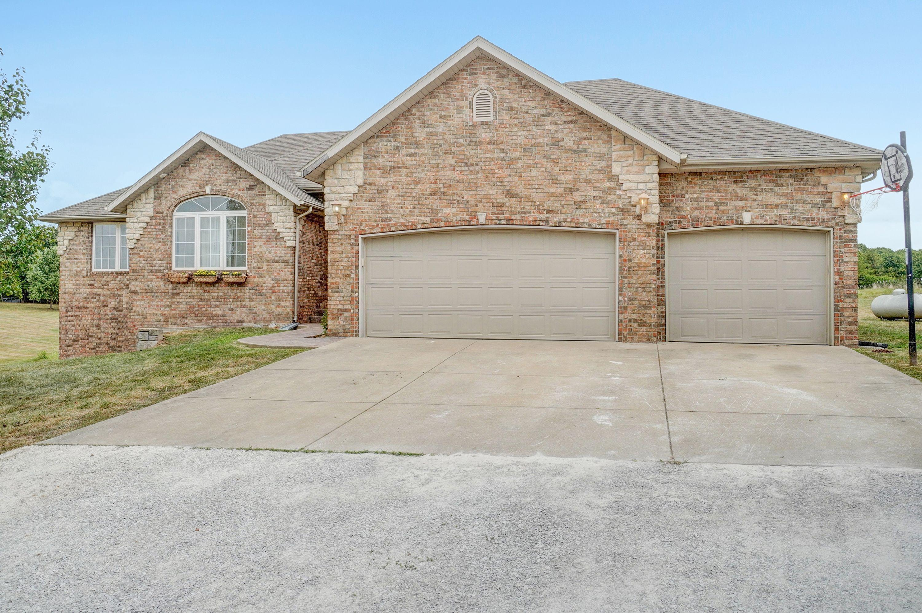 225 Tallgrass Road Ozark, MO 65721