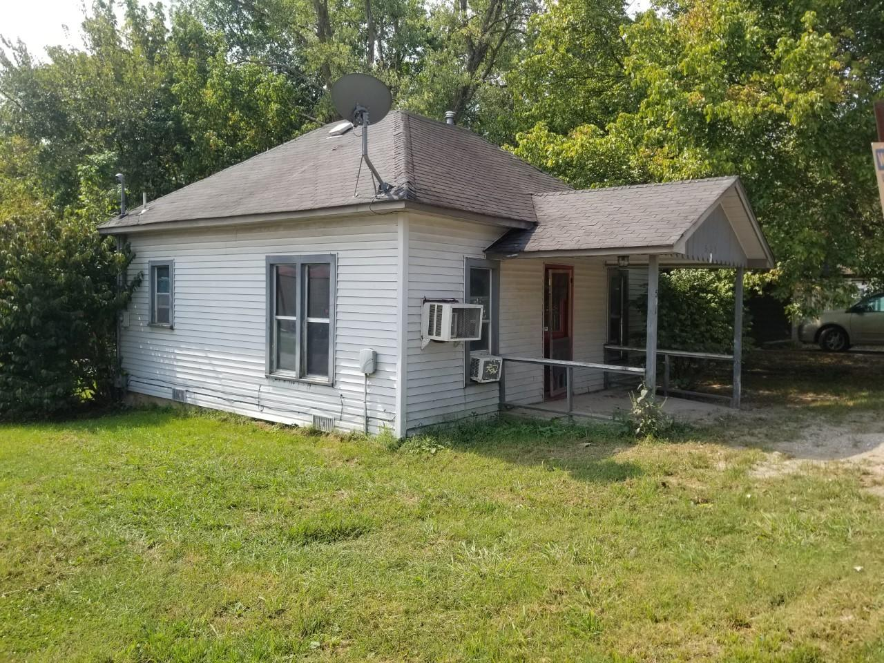 501 4th Street Anderson, MO 64831