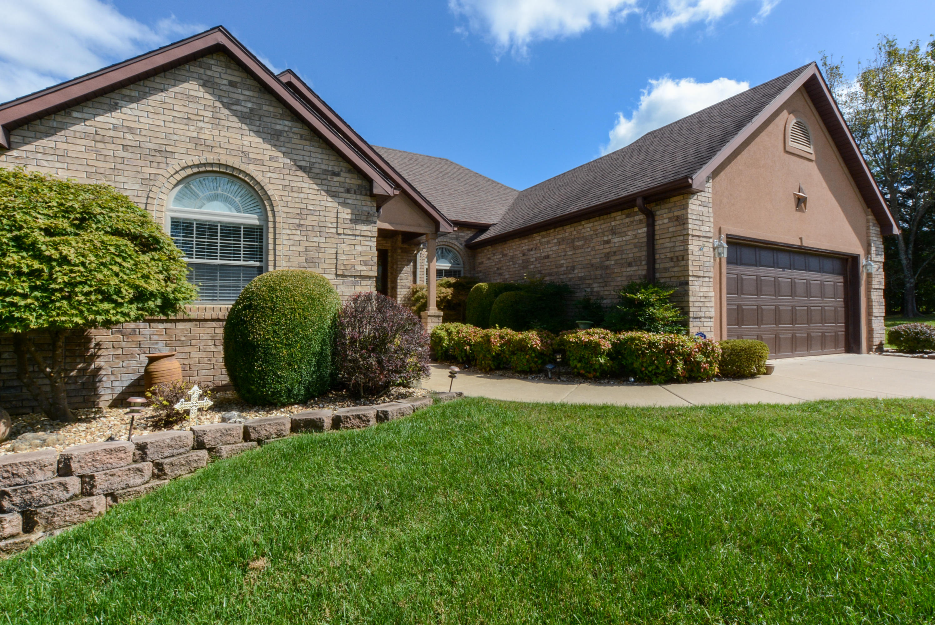 1109 Ledgestone Lane Branson West, MO 65737