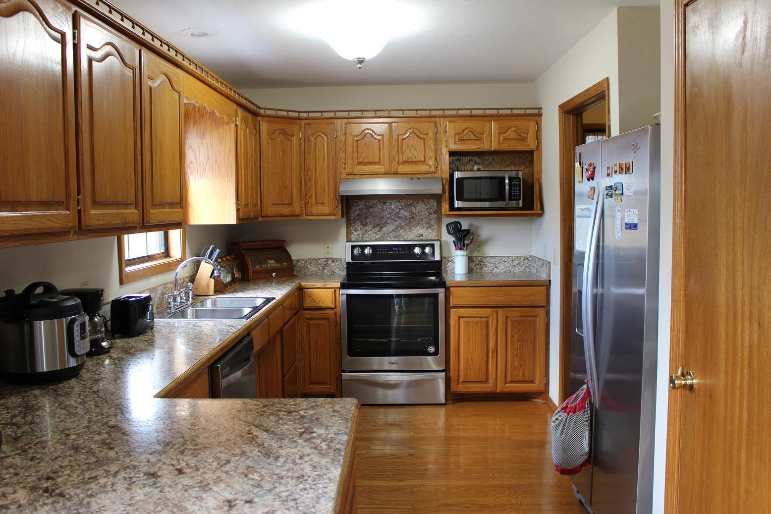 2511 Fruit Station Drive Mountain Grove, MO 65711