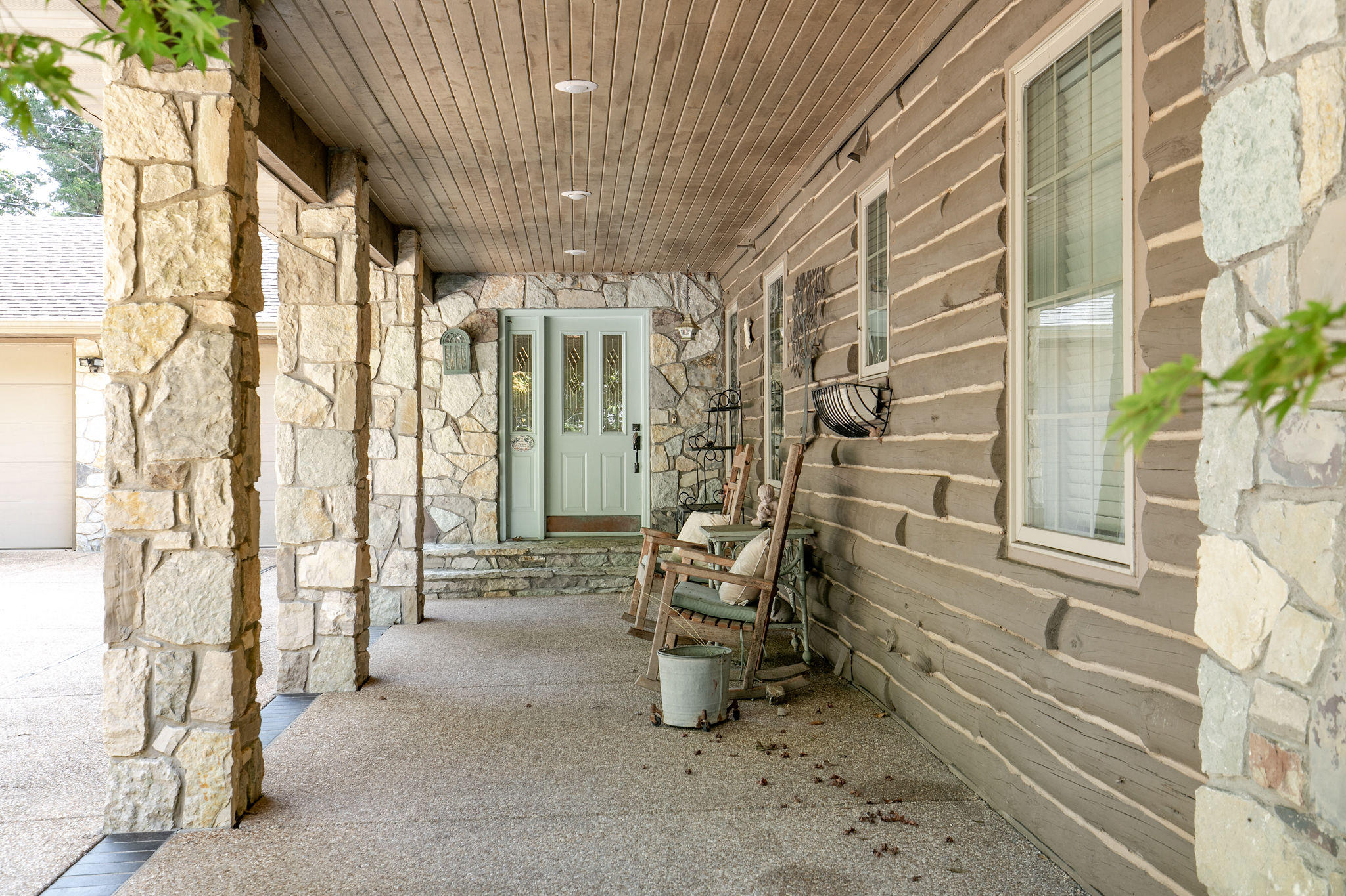 3273 Pioneer Point Road Galena, MO 65656