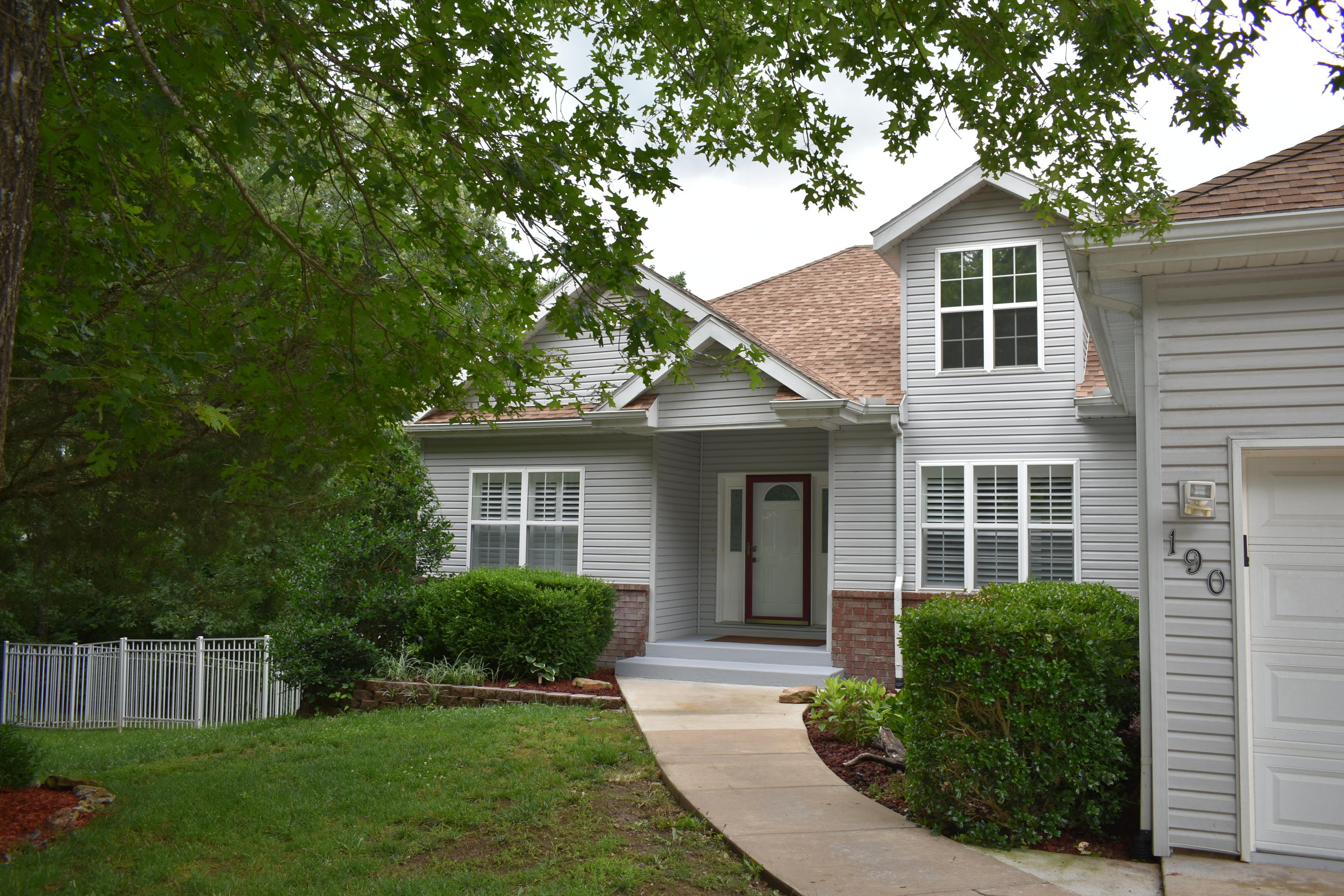 190 Country Hills Drive Branson, MO 65616
