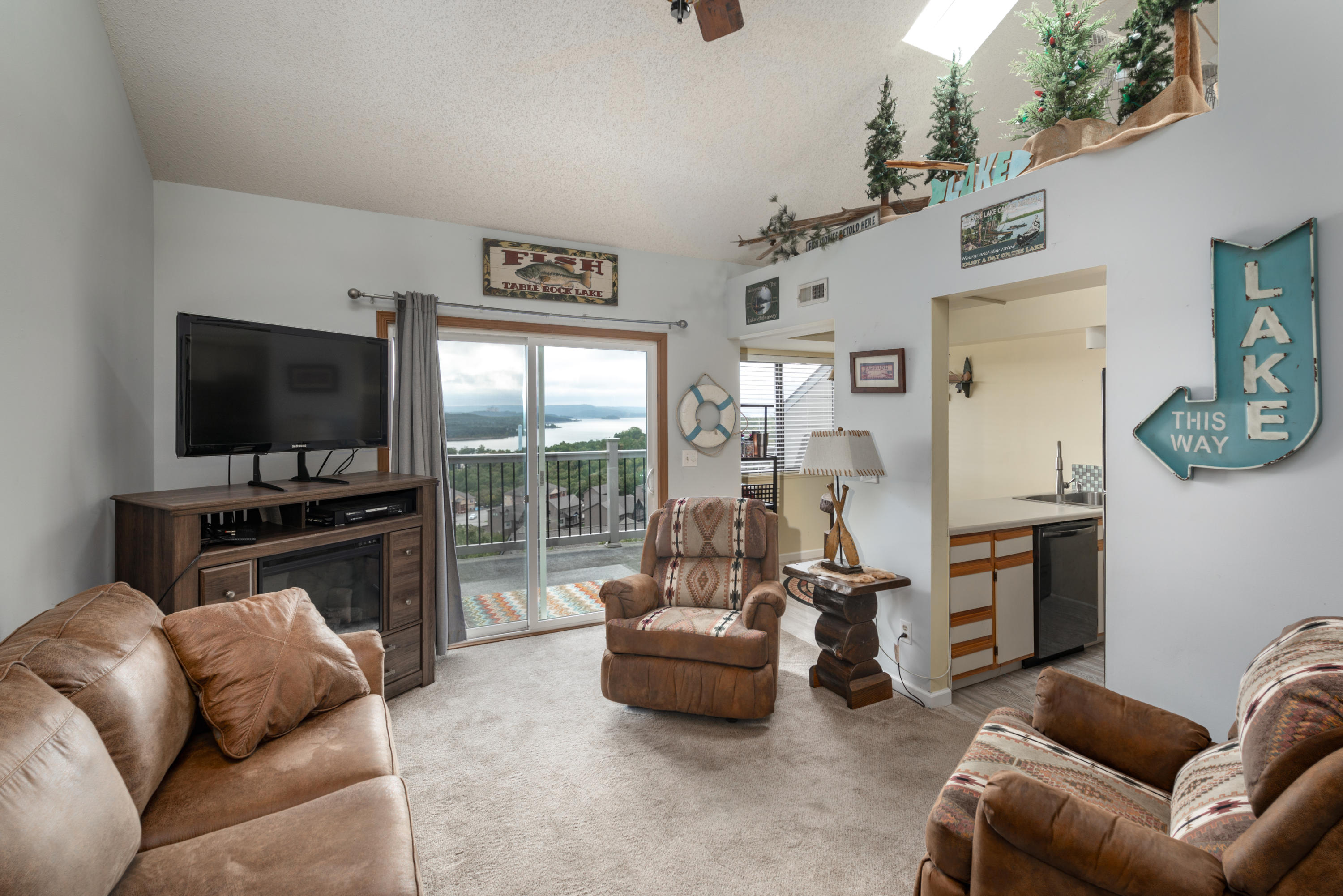 2 Treehouse Lane UNIT #12 Branson, MO 65616
