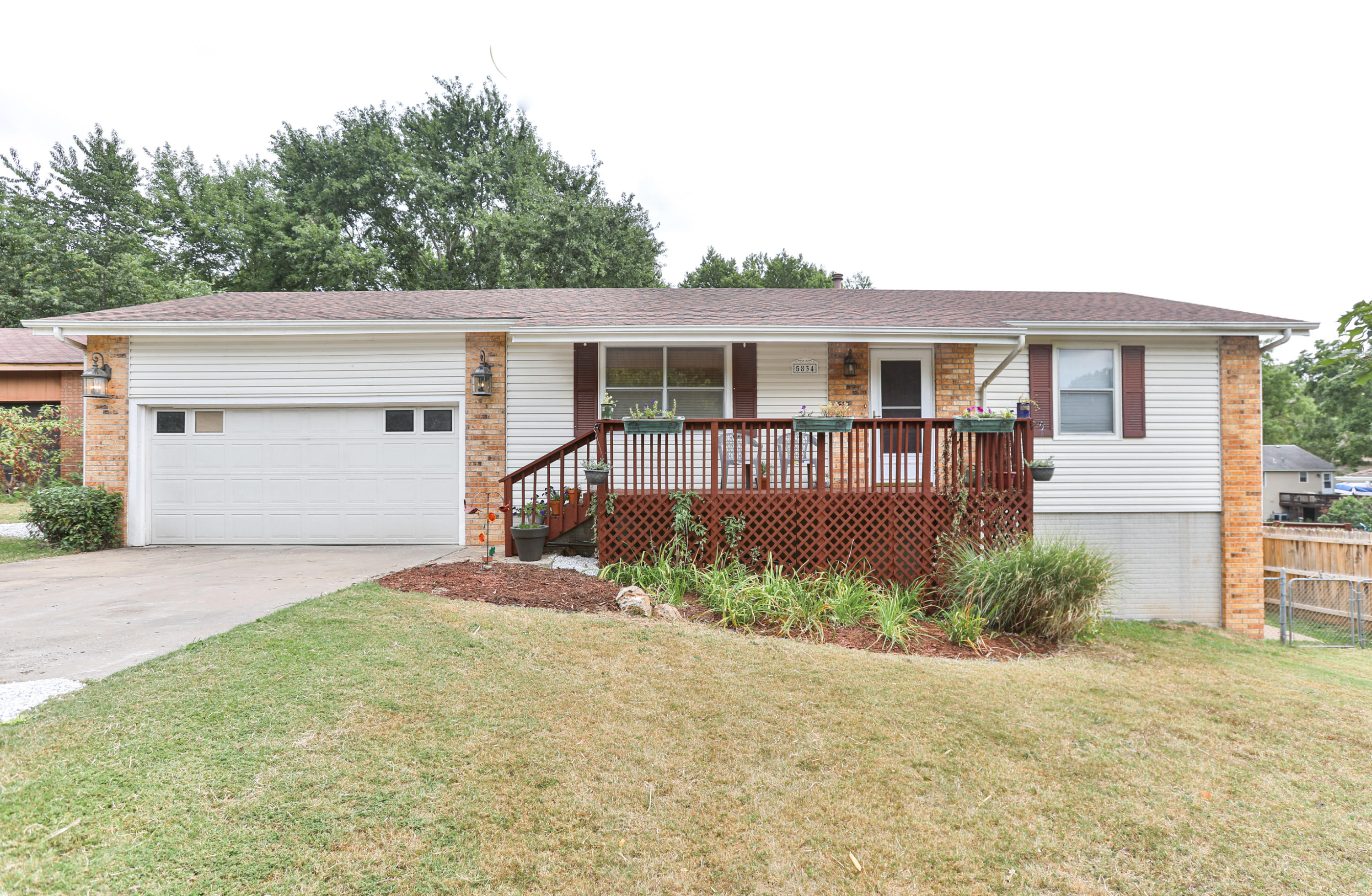 5834 South Iris Lane Battlefield, MO 65619