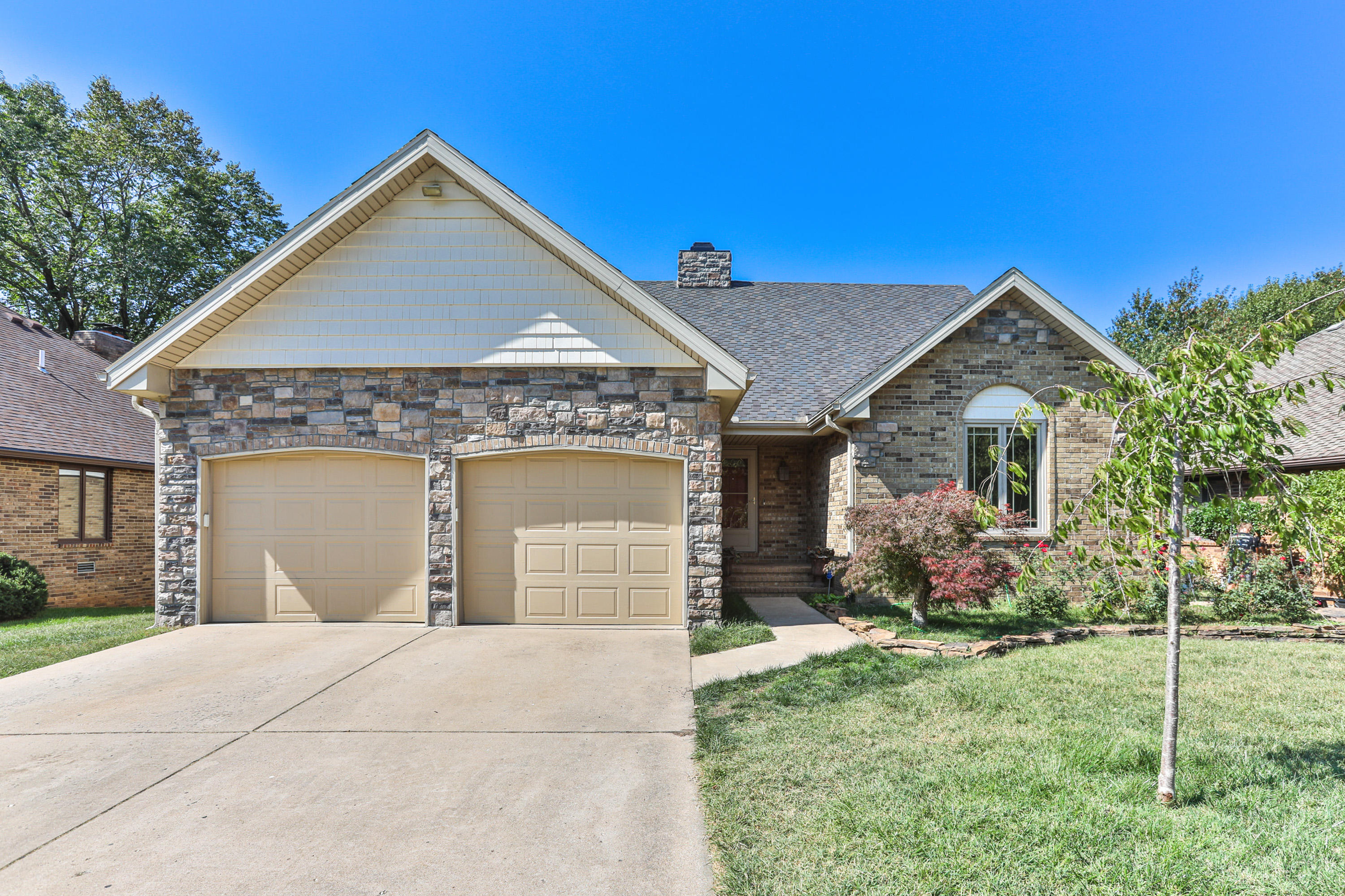 4735 South Stewart Avenue Springfield, MO 65804