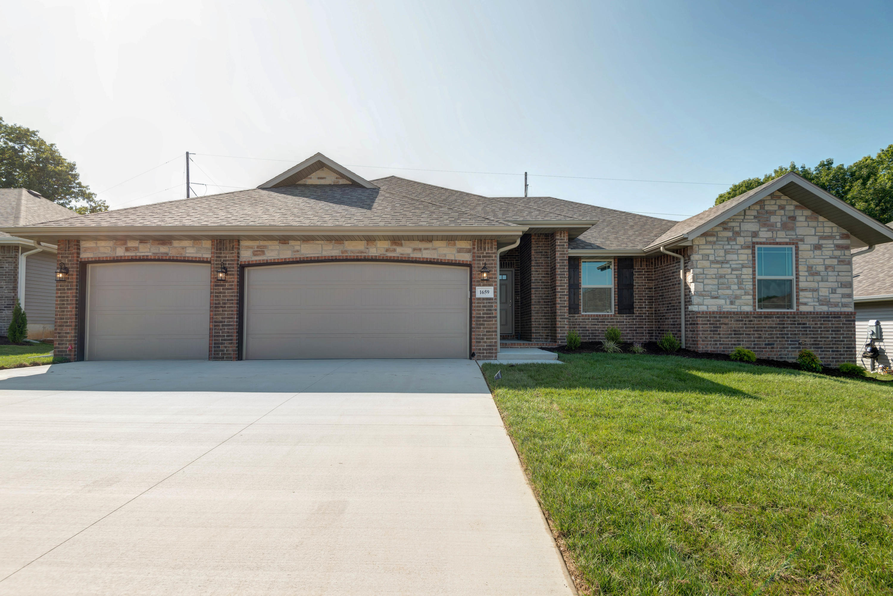 6004 Willow Street Battlefield, MO 65619