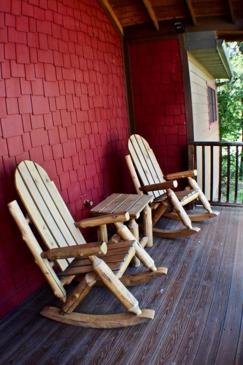 18 Rocking Chair Loop Branson, MO 65616