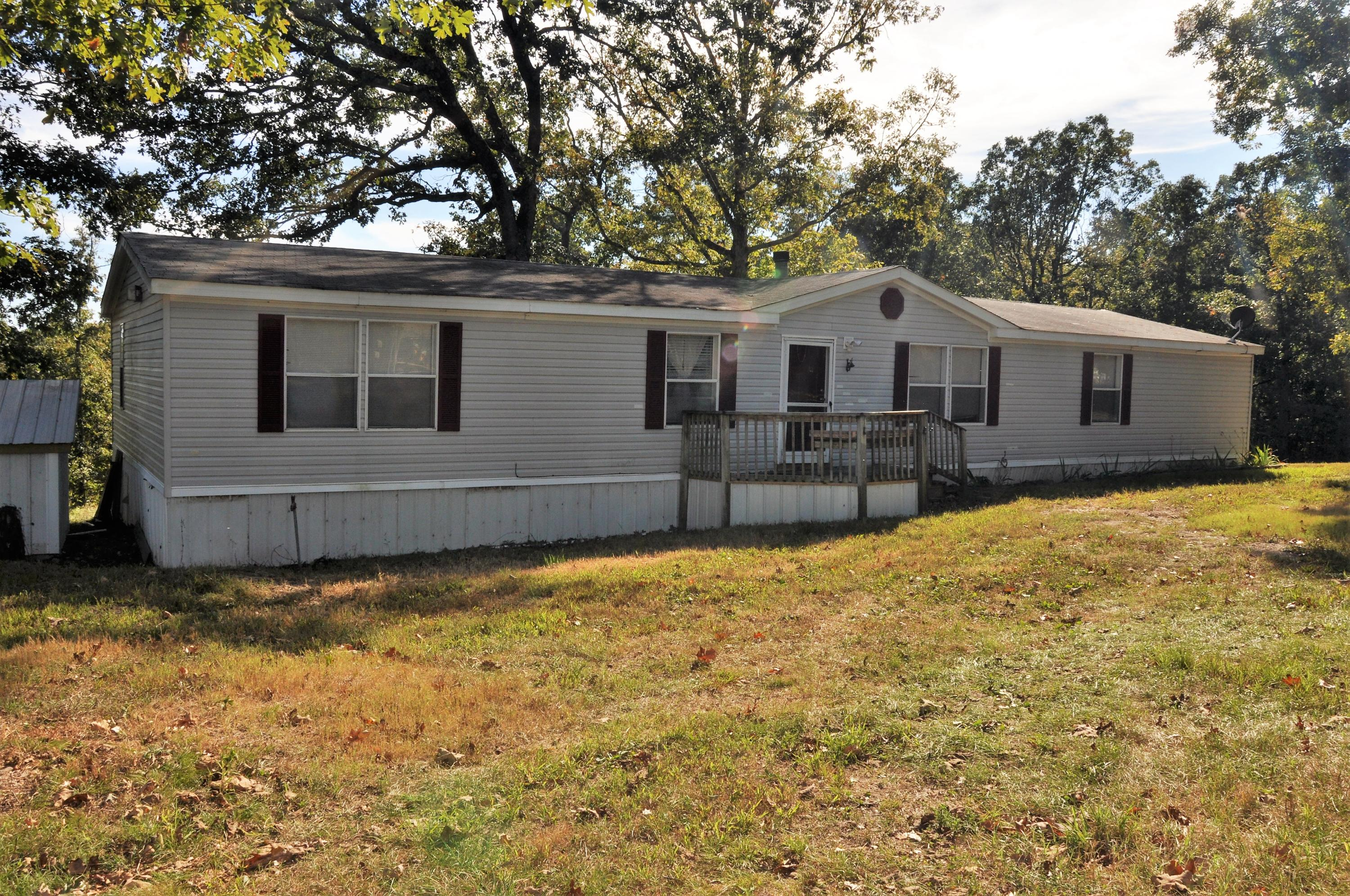 924 McNelly Road Seligman, MO 65745