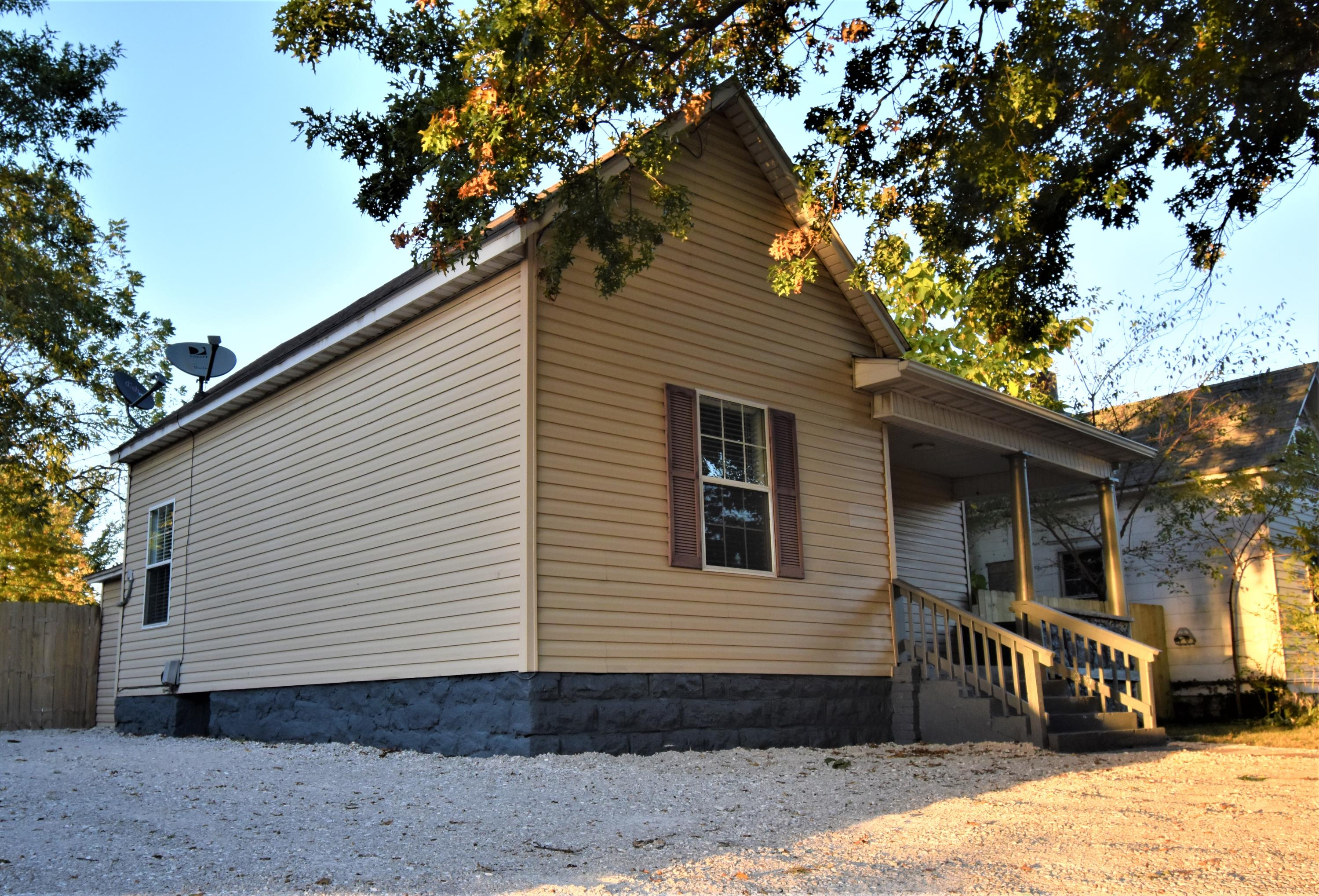 1105 West Division Street Springfield, MO 65803