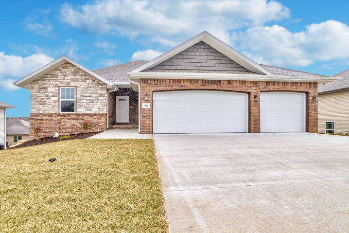 1660 North Old Castle Road Nixa, MO 65714