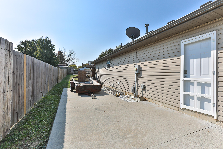 708 Sidney Street Willard, MO 65781