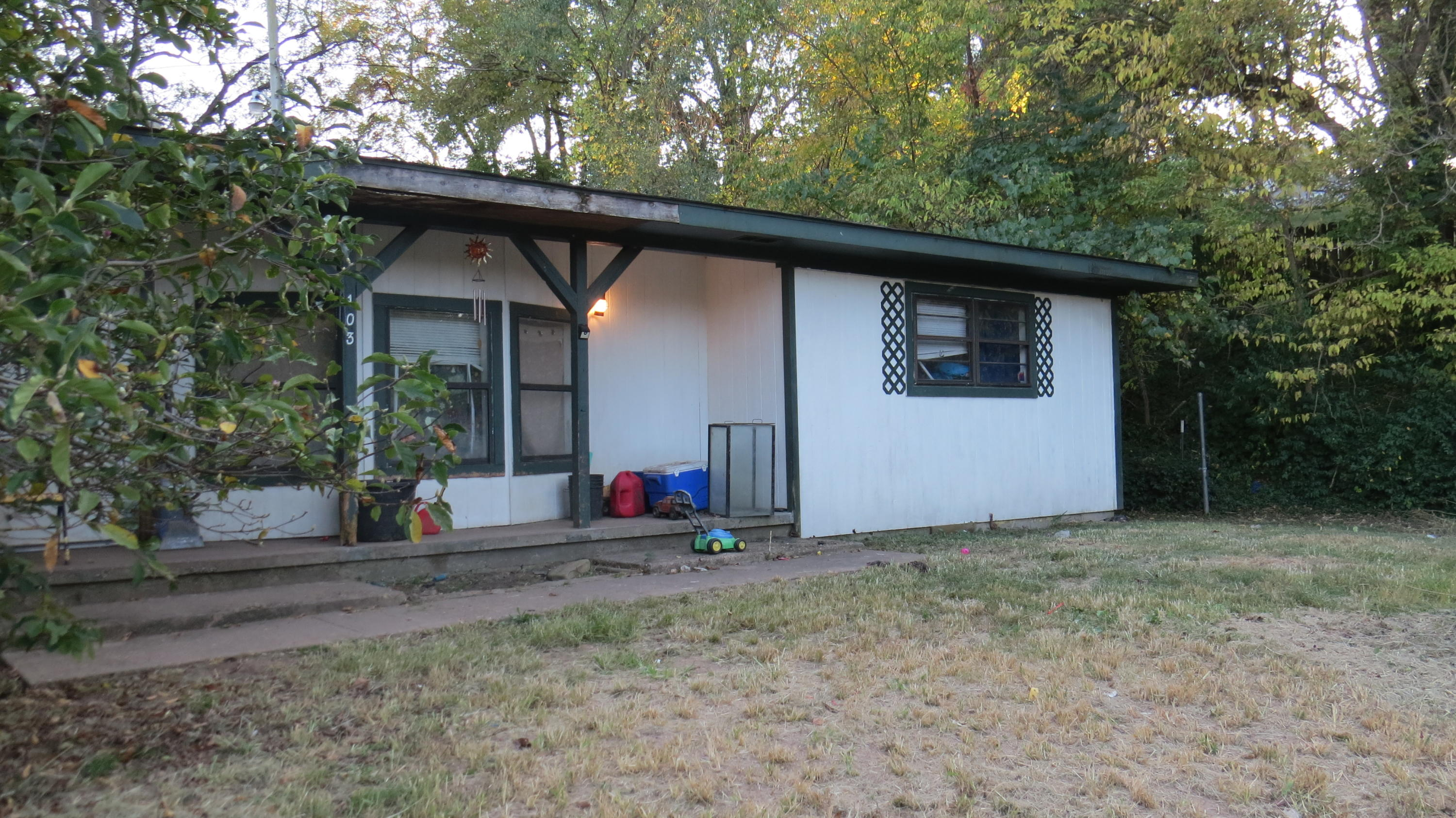 103 West Highway F Anderson, MO 64831