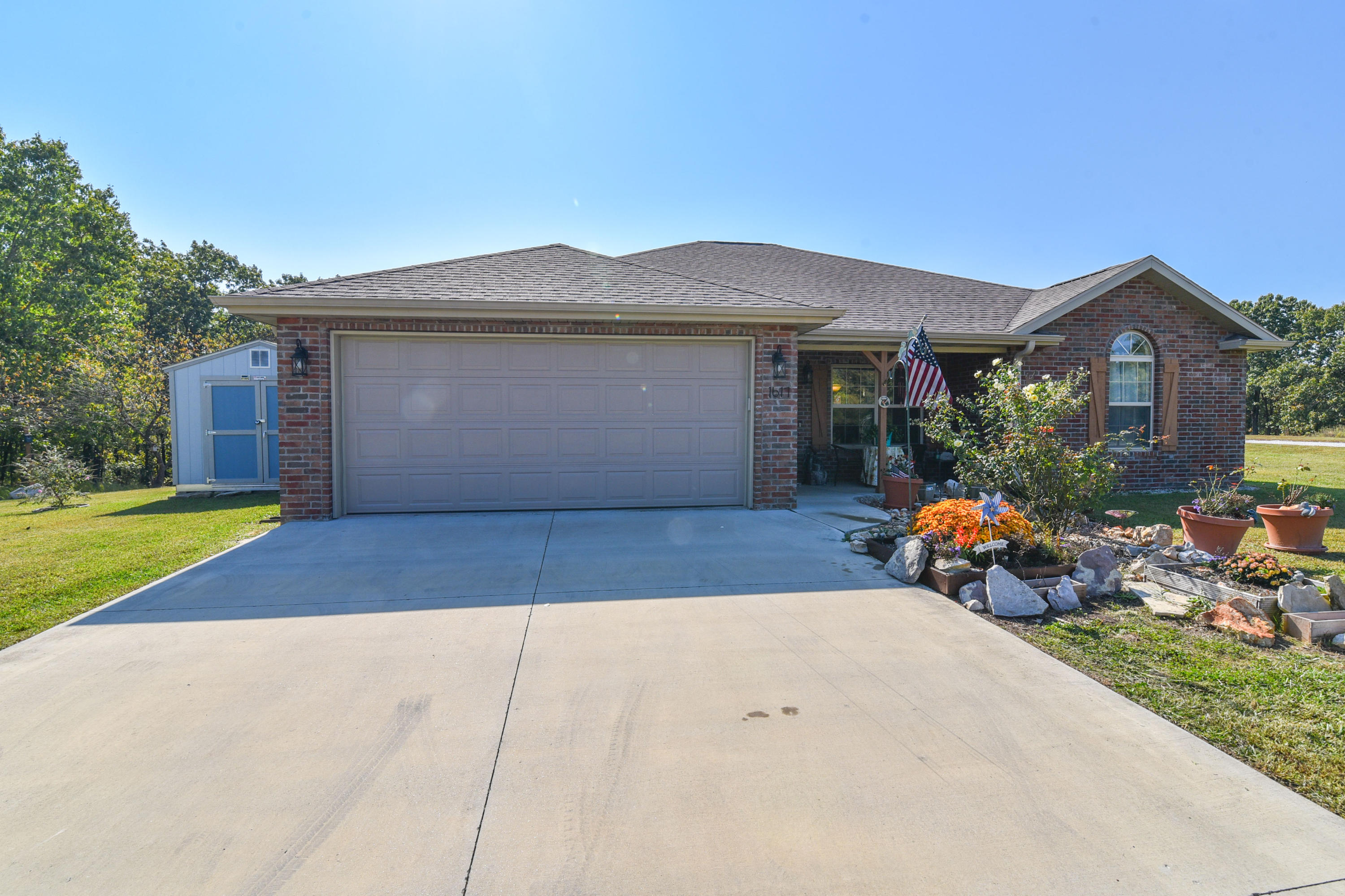 1617 Morningside Falls Boulevard Blue Eye, MO 65611