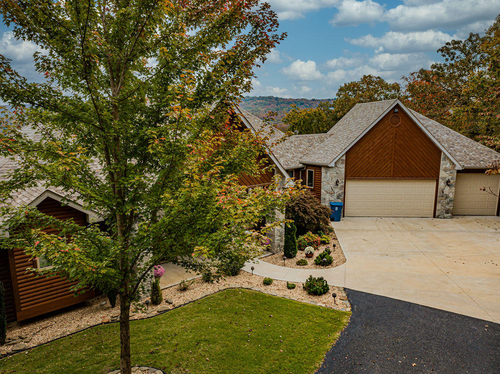 22 Rock Haven Court Galena, MO 65656
