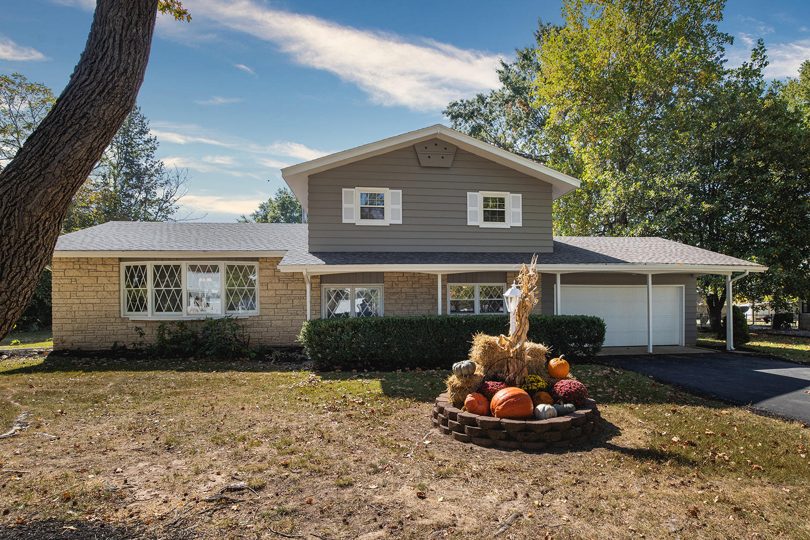2546 West Weatherly Drive Springfield, MO 65807