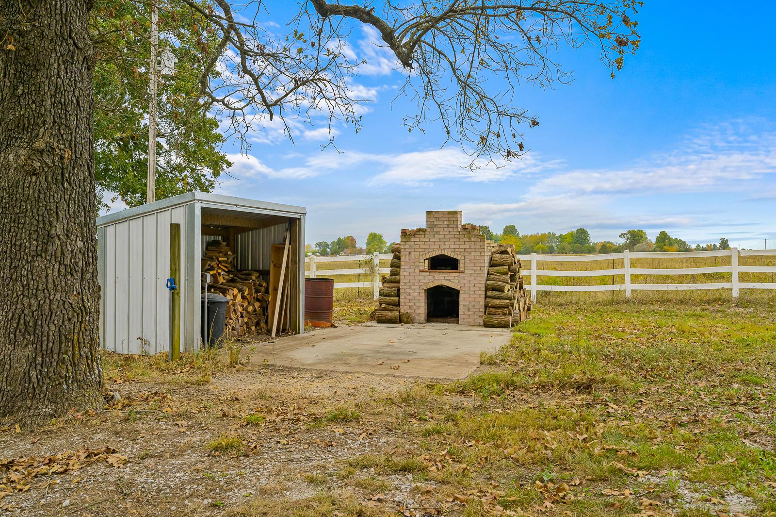 3537 North Farm Road 93 Willard, MO 65781