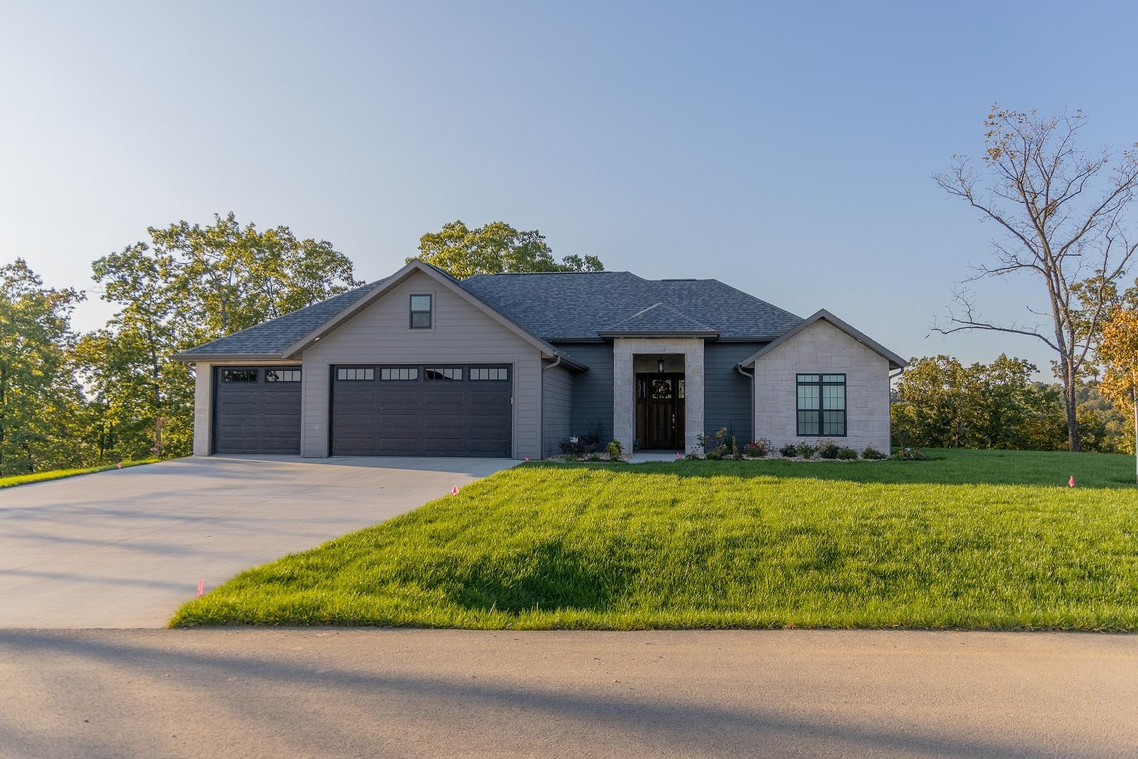 298 Forest Lake Drive Branson West, MO 65737
