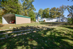 210 Castle Rock Drive, Kissee Mills, MO 65680